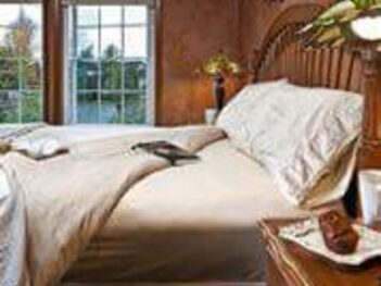 Accommodations, Enliven Bed and Breakfast